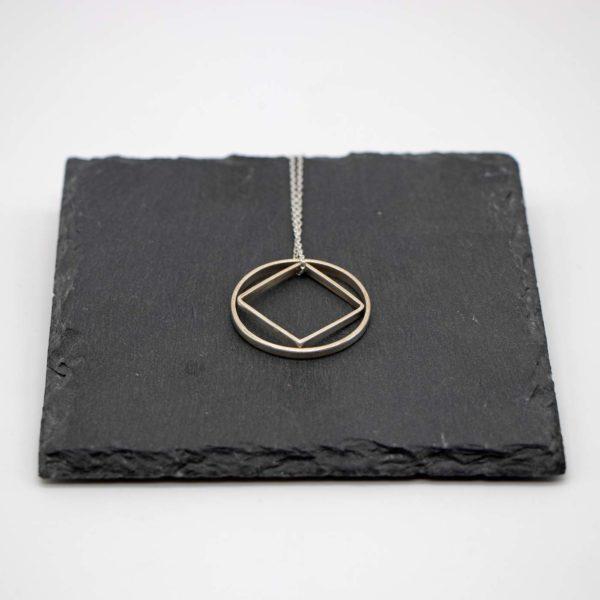 Halskette Shapes Silber, Kreis + Quadrat 1