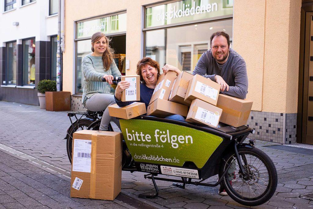 Mit dem Lastenrad werden während der Corona-Krise die Osnabrücker Kunden des Ökolädchens direkt beliefert
