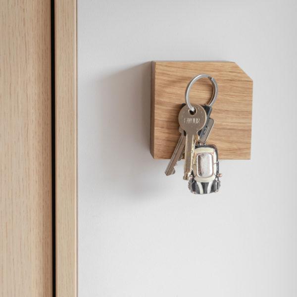 Magnetischer Schlüsselhalter hold my key aus Eiche 1