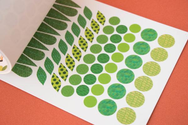 Activities Book Art & Stickers von londji