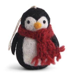 Pinguin mit rotem Schal aus Filz von der Firma Én Gry & Sif