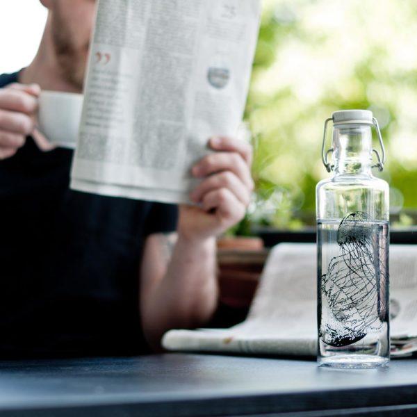 Glastrinkflasche Jellyfish in the bottle von Soulbottles