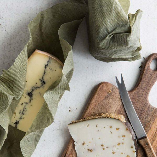 Bienenwachstücher grün – Gr. M – Verpackung für Käse